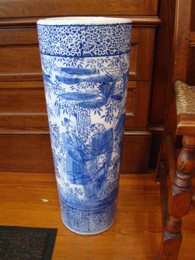 click to view larger image of An attractive 19th century Chinese porcelain umbrella stand