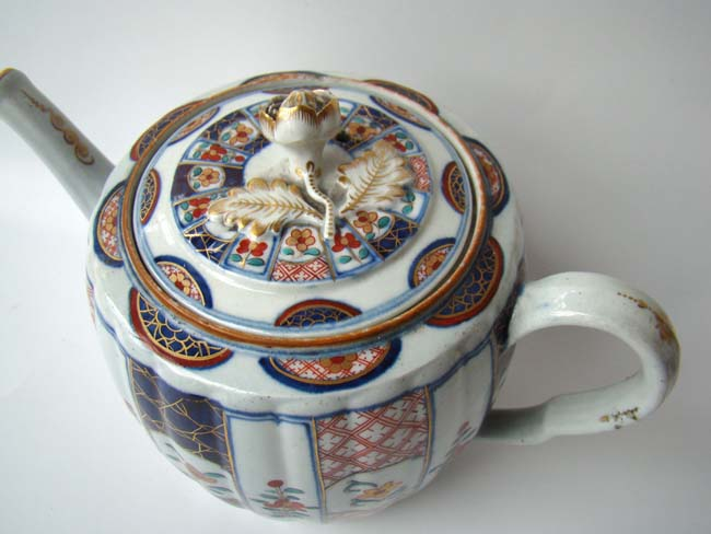 click to view larger image of A Worcester porcelain
