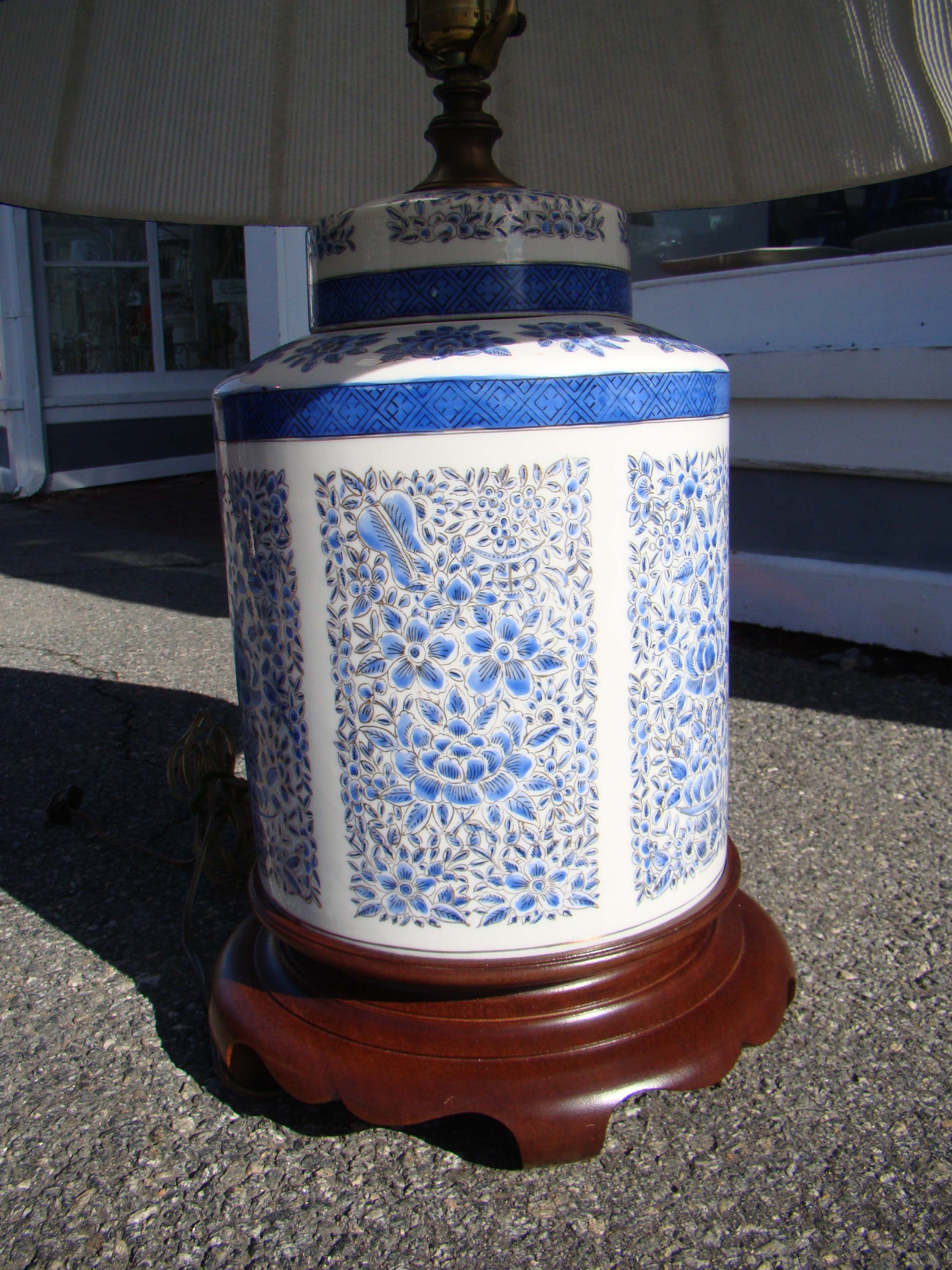 click to view larger image of A beautiful vintage Chinese porcelain tea cannister lamp