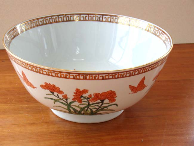 click to view larger image of A beautiful large Chinese Export style punch bowl by Mottahedeh
