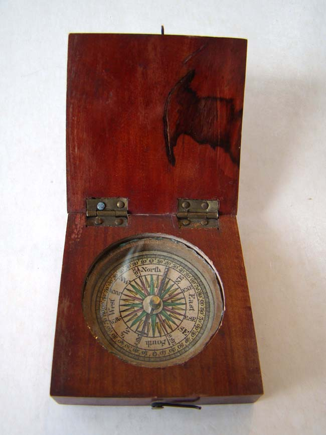 click to view larger image of A nice late 18th century pocket compass