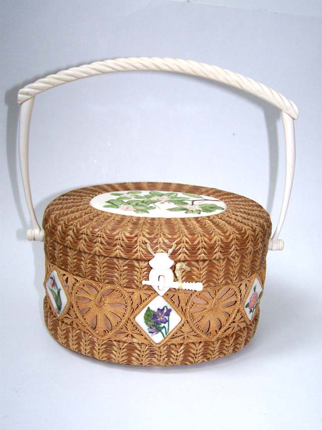 click to view larger image of An Exquisite MATTAPOISETT Basket by the leading artist in the field Kathy Campbell