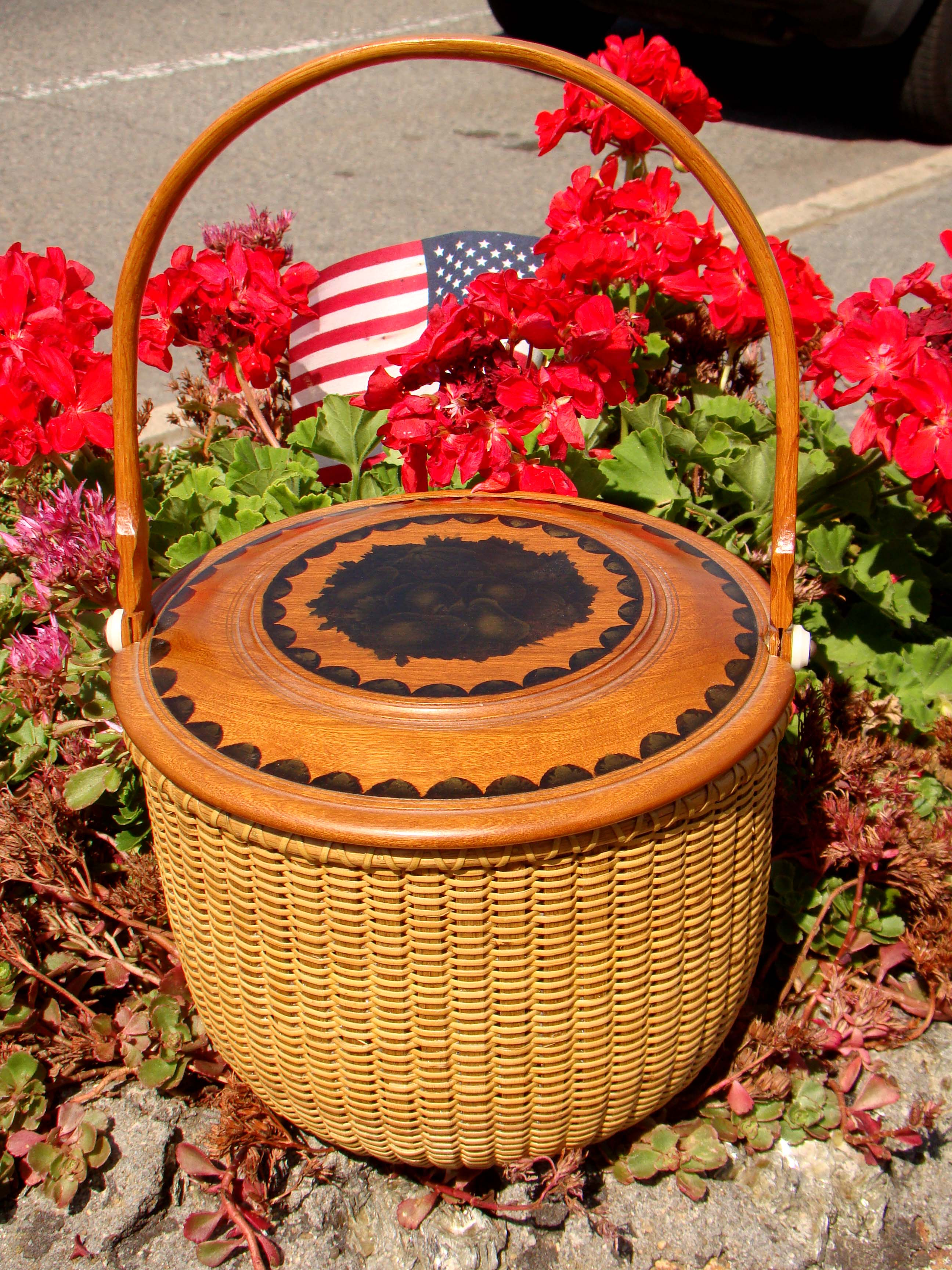 click to view larger image of A fine contemporary Nantucket covered basket purse made by the master Harry Hilbert in 1998