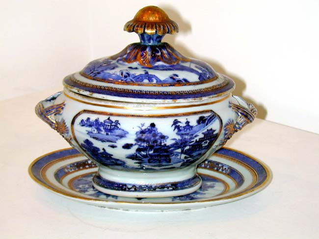 click to view larger image of Outstanding Pair of Early 19th Century Chinese Export Imperial Nanking Pattern Covered Sauce Tureens