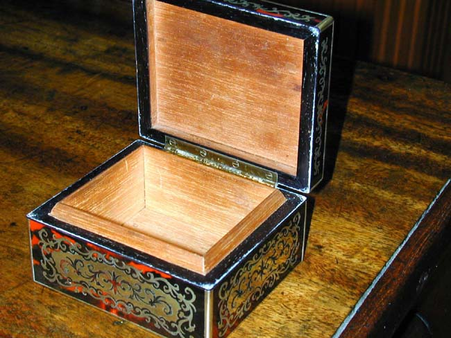 click to view larger image of A Fine Small English Victorian Boule Box signed
