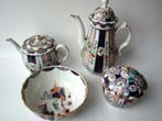 click to view detailed description of A Worcester porcelain