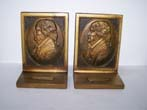 click to view detailed description of A Pair of Antique Bookends by Bradley & Hubbard circa 1925 depicting THOMAS JEFFERSON