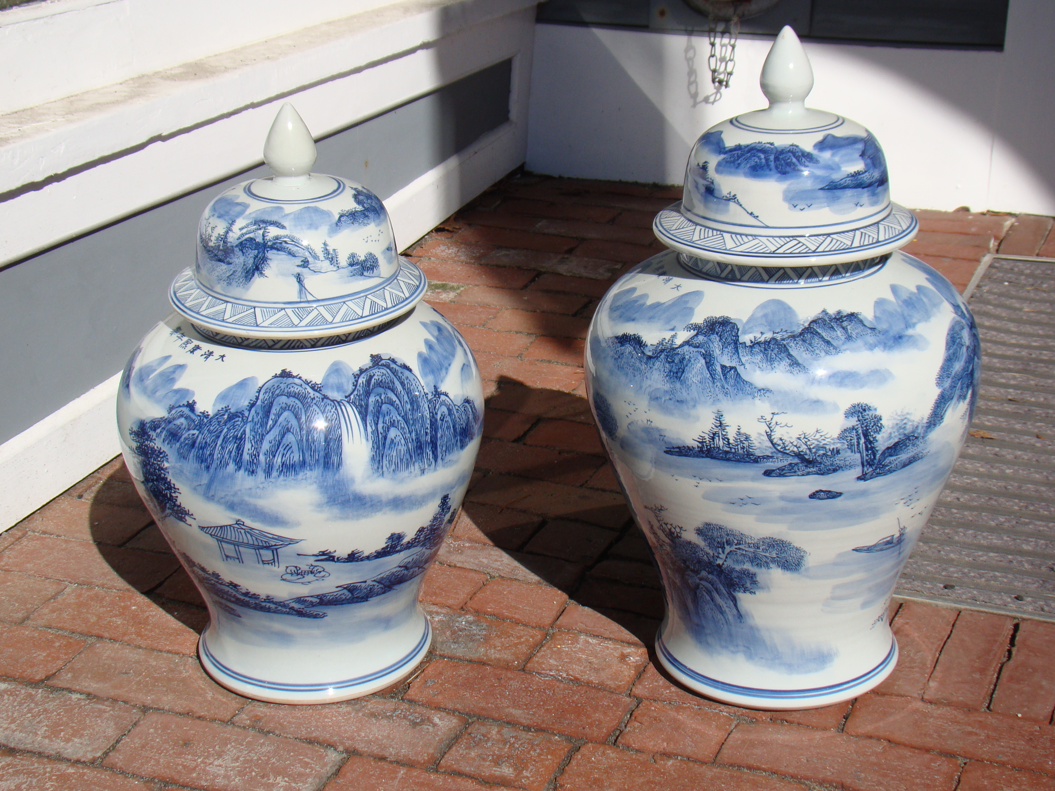 click to view detailed description of Two nearly identical Chinese covered jars priced separately