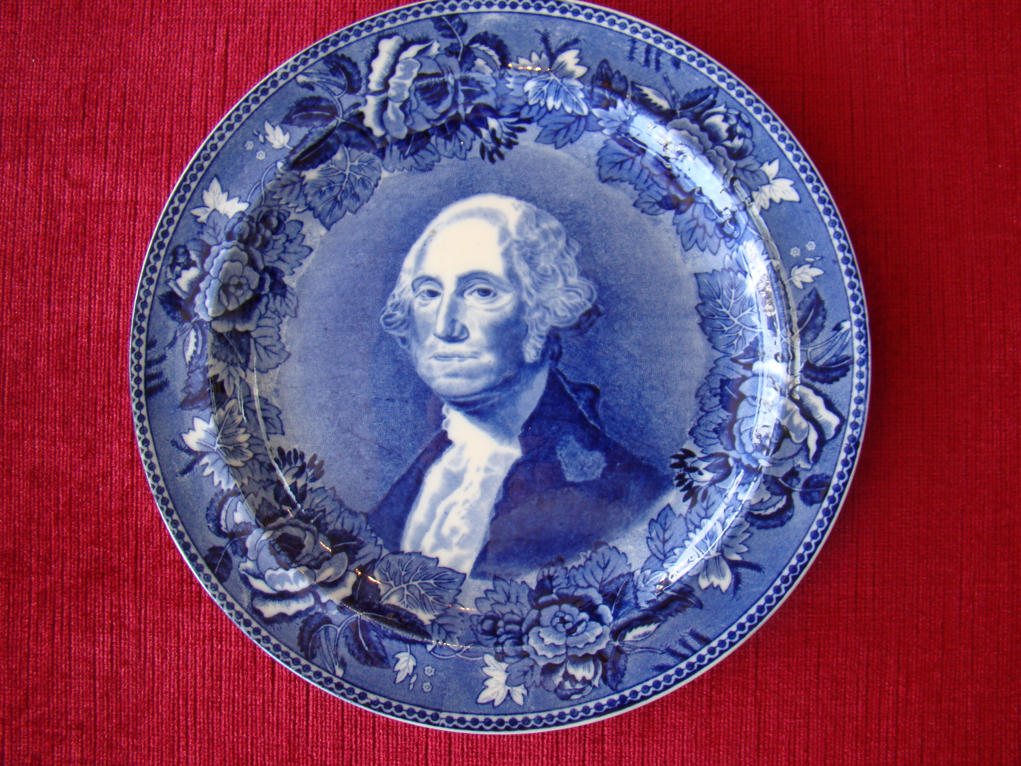 click to view detailed description of A fine and rare Wedgwood plate circa 1900 depicting George Washington