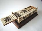 click to view detailed description of A fine Napoleonic Prisoner-Of-War Bone Games Box circa 1795-1815