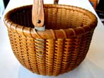 click to view detailed description of A wonderful Nantucket Lightship Basket