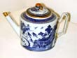 click to view detailed description of Early 19th Century Chinese Export Porcelain Imperial Nanking Teapot